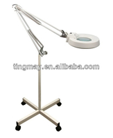 Portable magnifying lamp with stand